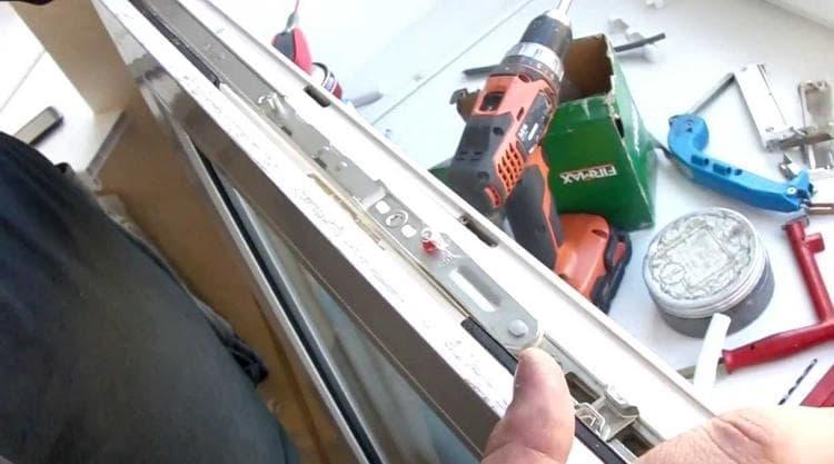 Как заменить фурнитуру окна самостоятельно пластиковом окне